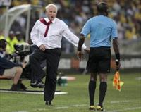 South Africa's coach Gordon Igesund reacts during their African Nations Cup Group A match