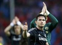 Chelsea's Frank Lampard acknowledges crowd at end of his team's Champion's League semi-fin