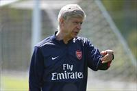 Arsenal manager Arsene Wenger leads a training session at London Colney near London May 14